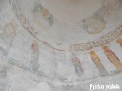Фрески XII в., сохранившиеся в куполе лестничной башни. Фото Писанова С.