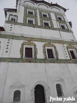 Изразцы на храмах Николо-Вяжищского монастыря. Фото Писанова С.