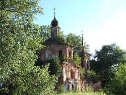 Введенская церковь в усадьбе Тихвинское